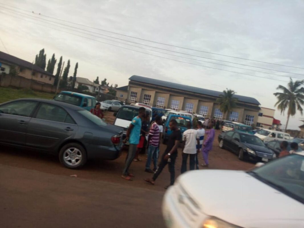 UNILORIN transporters embark on peaceful protest, decry Student Union failure to endorse transport fare increment