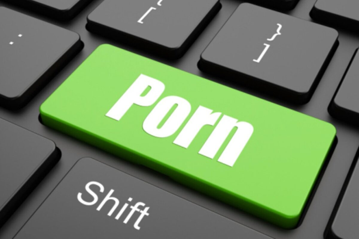 Jos: Man Pays Girls, Married Women N30,000 To Act In Porn Video