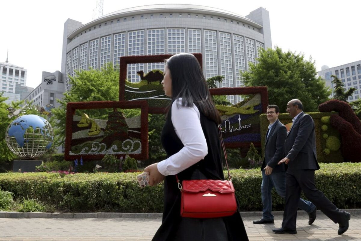 China revokes 3 Wall Street Journal Reporters' Credentials Over Headline