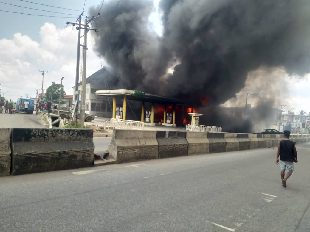 PHOTOs & VIDEOs: NNPC at Ogba in Lagos on Fire