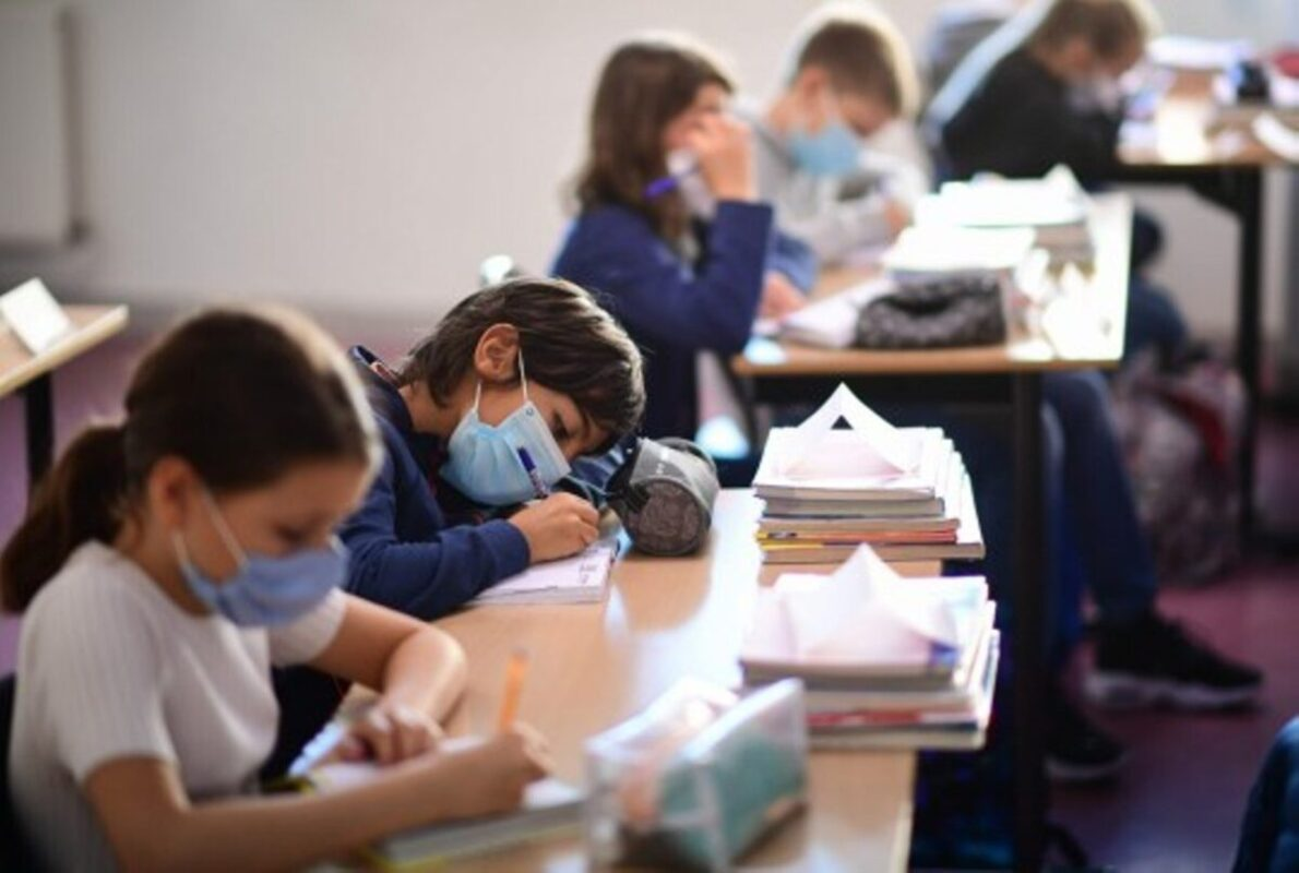 COVID-19: Parents Will be Paid to Stay at Home with Their Children in France if schools have to close again